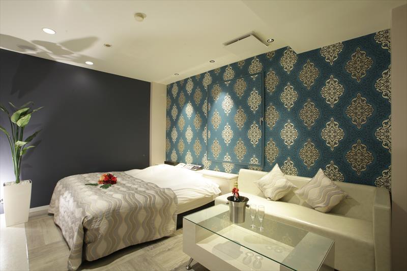 Room 402-a
